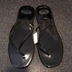 Scoop NYC black patten leather flip flop